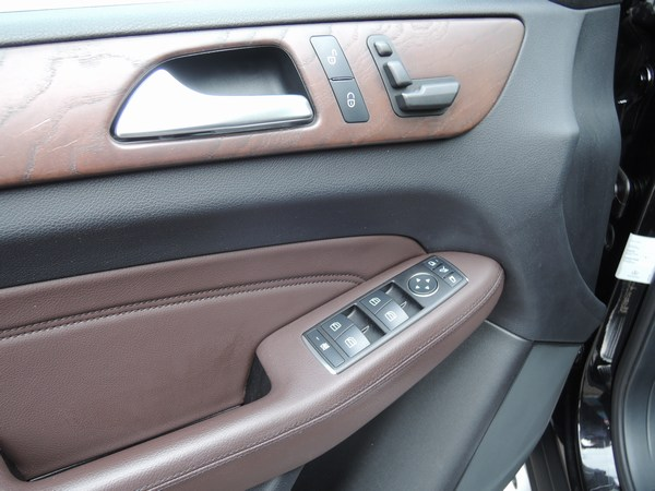 Ons aanbod auto 2000 nv 1 for Interieur ml 2000